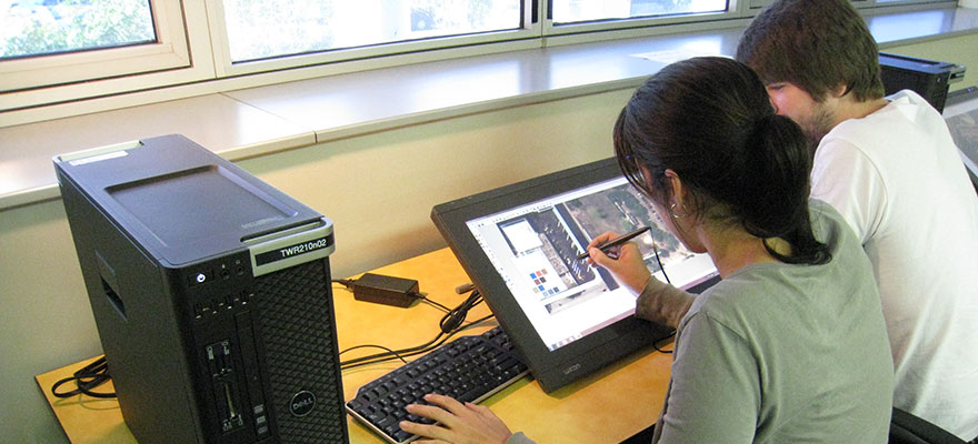 Students using Wacom tablet monitor